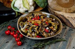 Из овощей гриль с бужениной
