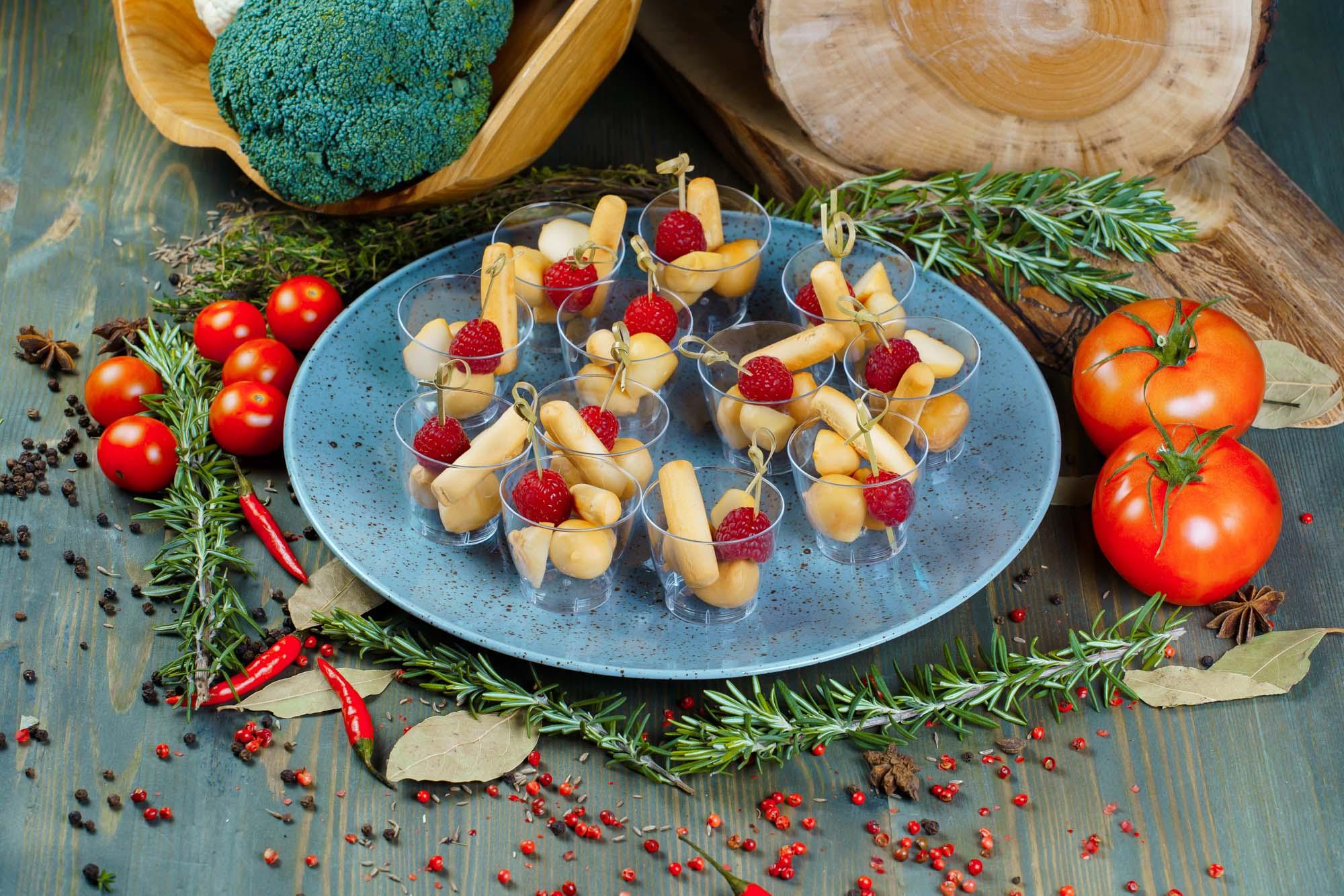 СЕТ №29 Копченый сыр «Боккончини» с малиной 12 шт по 25 гр